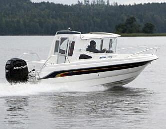 Vurderer miniubåt-søk etter ulykkesbåt