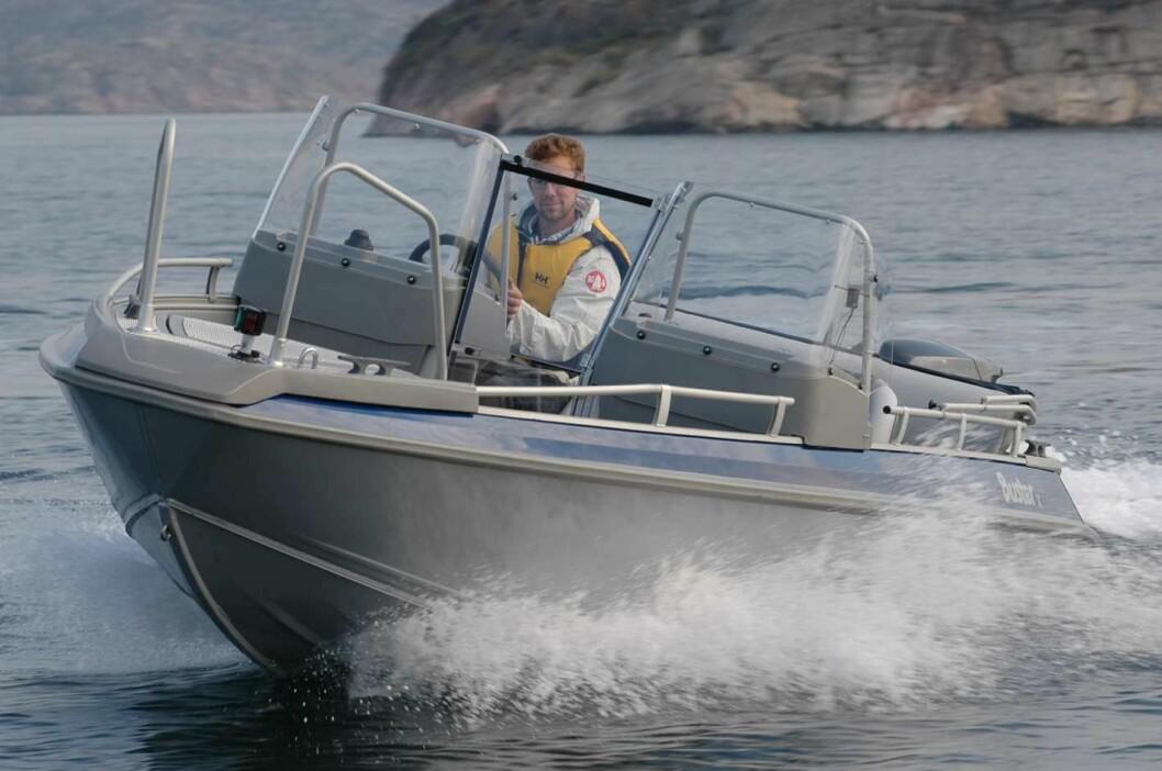 Båten var av typen Buster XL