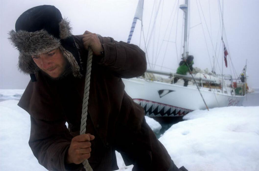 Kontakt med Andhøy inne på isen