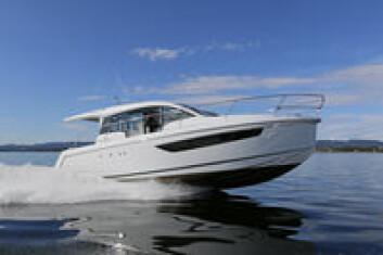 NYHET: Sealine har lansert to rommelige bobåter med to kabiner til startpris under to milioner kroner.