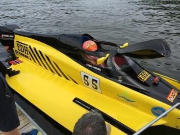 GÅR FORT: Formel 2 består av katamaranbåter på 16 fot, og toppfarten er 200 kilometer i timen.