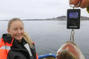 STOLT: Kolstø har aldri tatt større fisk, medgir hun.