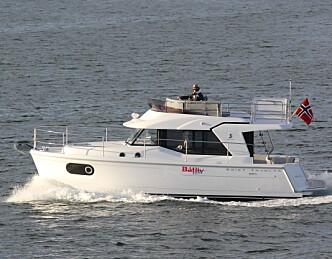 Hytte på sjøen med fart