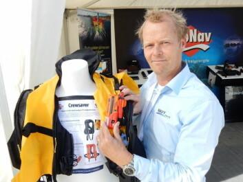 SIKKERHET: Thomas Wiken har satt sammen en pakke som kan redde liv.