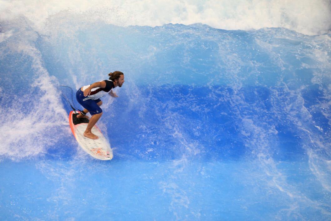 INNE: Med bølgebassenget, The Wave, blir det mulig å surfe under tak i Dusseldorf under båtmessen.