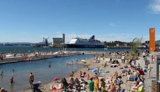 Bading i havnebassenget blir populært