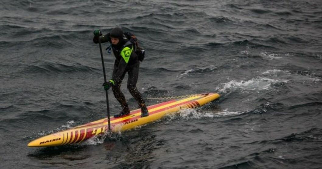 SUP: Casper Steinfath forsøkte å padle over Skagerrak i februar. Han klarte det nesten.