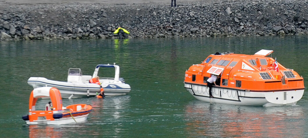 Tre kastet i vannet - en druknet