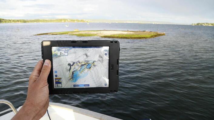 MER DETALJERT: Sjøkart får detaljer som man selv bare kunne lage privat for områder man har seilet over med et godt ekkolodd. Her med SonarCharts Live.