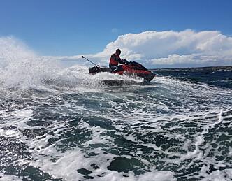 Faktasjekket om vannscootere bråker mer enn andre båter