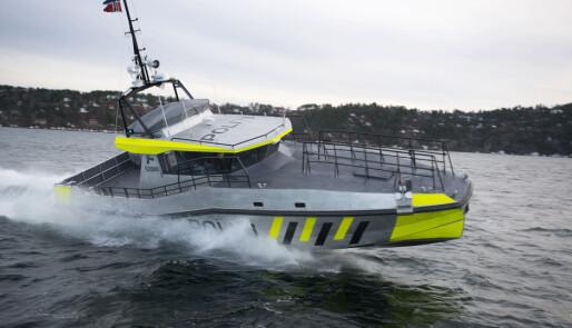 Politikontroller på sjøen halvert