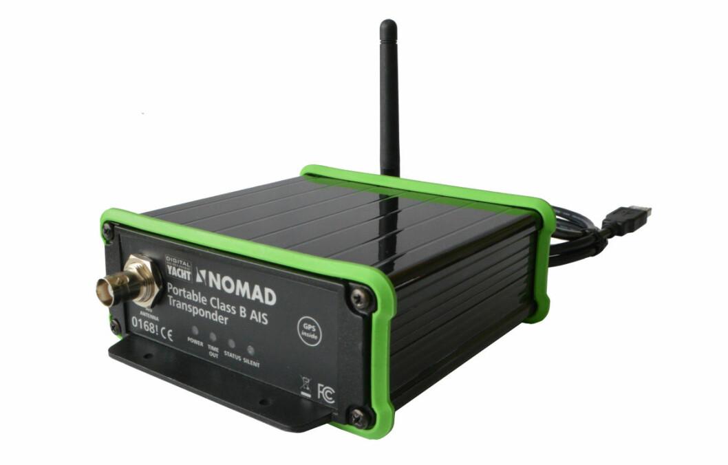 NOMAD: Den nye AIS-transponderen er enkel å sette opp, og for strøm via USB-kabel.