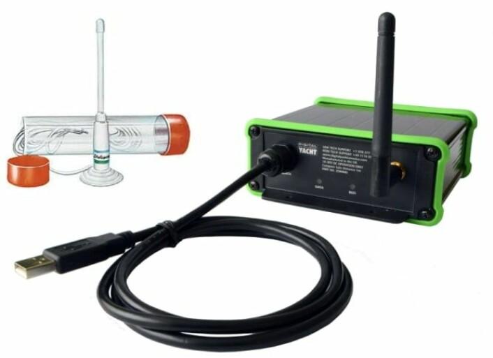 SIGNAL: Det medfølger en 25 cm ekstern antenne som festes med en sugekopp.
