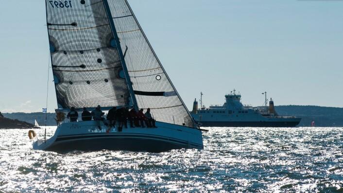 GJENGANGER: Hyppigere fergeavganger gir mindre rom for at fritidsbåter med lav fart finner plass til å passere trygt.