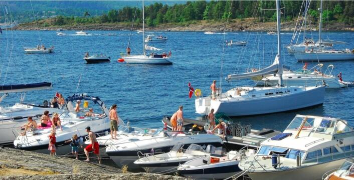 SOMMER: Du kan laste opp bilder fra stedene du besøker til glede for andre båtbrukere.