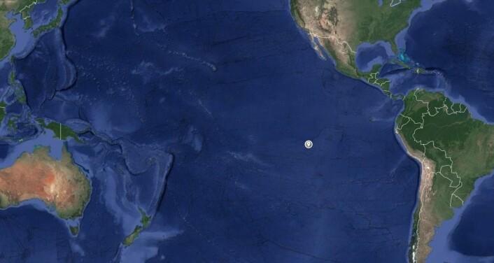 ØDE: Den norske båten synker på et svært øde sted i Stillahevet, over en ukes seilas fra nærmeste øy.