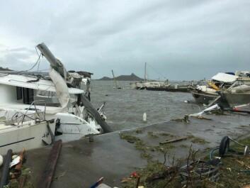 ØDELEGGELSER: Nå starter bildene fra katastofeområdet å komme ut. Øyene mangler strøm og kommunikasjon.
