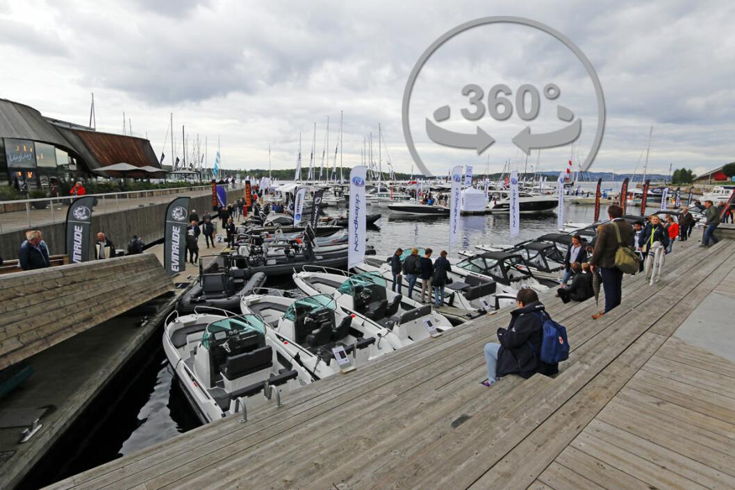 BÅTER I SJØEN: Se deg rundt på den flytende båtmessa, nederst i artikkelen.