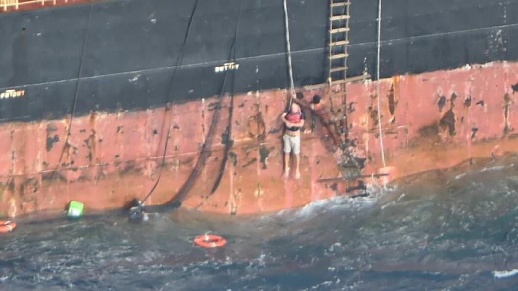 REDDET: Nordmannen ble heist om bord i containerskipet etter en dramatisk redning.