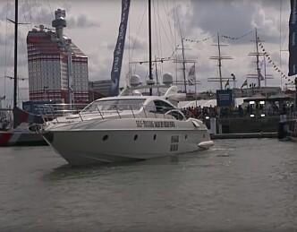 Båten legger til kai av seg selv