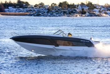FART OG KULDE: Legg sammen båtens fart og vindhastighet, og du får de effektive kuldegradene i tabellen.