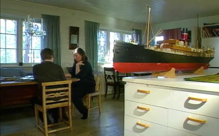 FRA ONKELENS SKAP: Det dukket opp mange modellbåter da Ingelill Mitchell skulle rydde opp etter sin avdøde onkel.