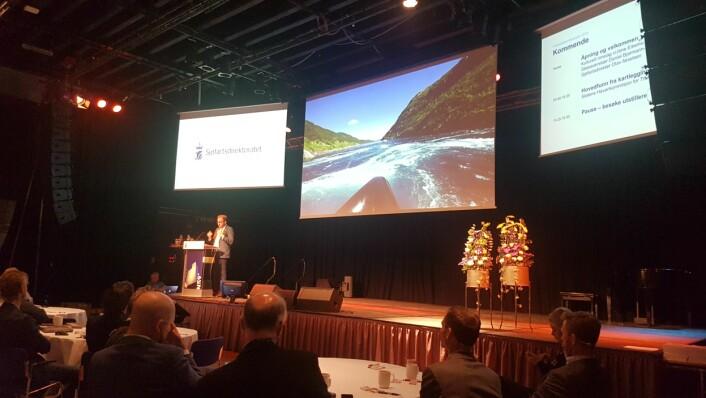 Daniel Bjarmann-Simonsen åpner Frititidsbåtkonferansen i Haugesund.