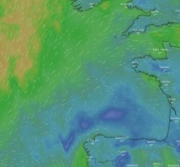 KRYSS: Thunberg får vinden rett i mot, men det er en mulighet å seile sydøst for å slippe unna.