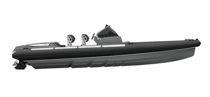 Goldfish 29 med step-skrog og rett baug. Båten er en RIB, det vil si med luftpute rundt for oppdrift og som bidrar til å gjøre fartøyet lett. Foto: Goldfish Boats