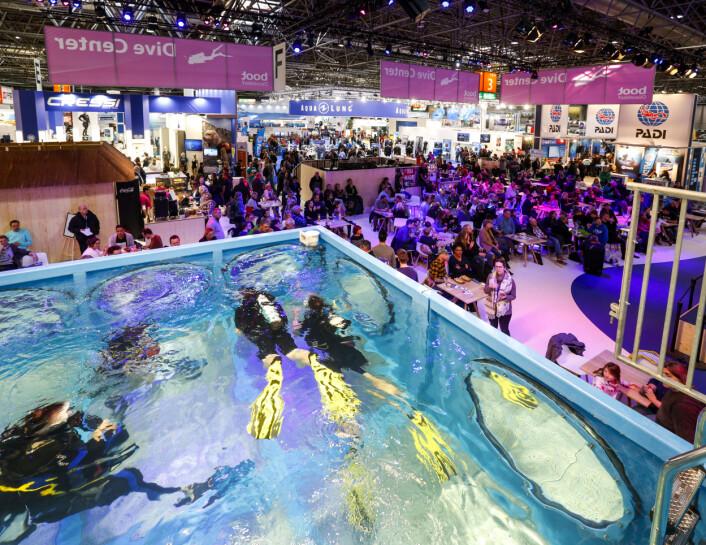 DYKKING: Er du dykkeinteressert finner du om lag 400 utstillere på Boot Düsseldorf.Die boot Düsseldorf ist als weltweit größte Boots- und Wassersportmesse alljährlich im Januar der ?In-Treffpunkt? der gesamten Branche. Die Aussteller zeigen vom 19. ...