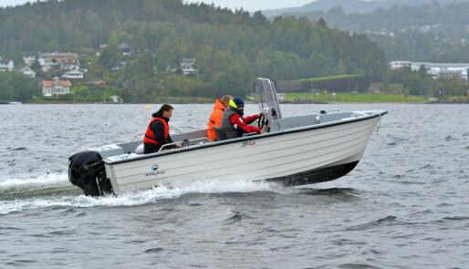 Åpen båt med plass til kveite