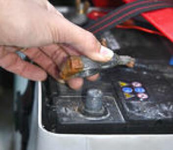 SIKRING: Om du fjerner tilkoblingene fra batteriene, er du sikker på at batteriene ikke vil bli tappet i løpet av vinteren.