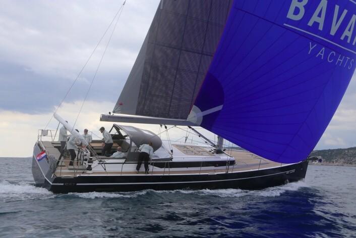 RASK: Bavaria C57 seilte rasere enn vinden med optimal vindvinkel.