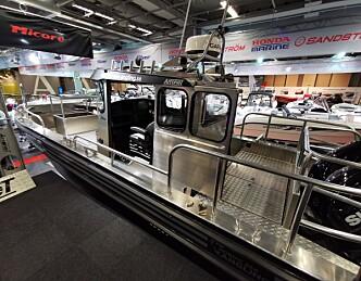 Tøff styrehusbåt i lettmetall