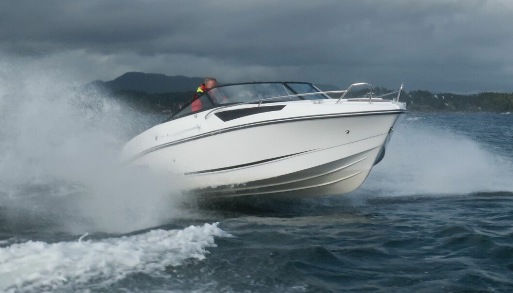 FART: Båtbransjen har fått opp farten i år, men fjoråret var på det jevne.