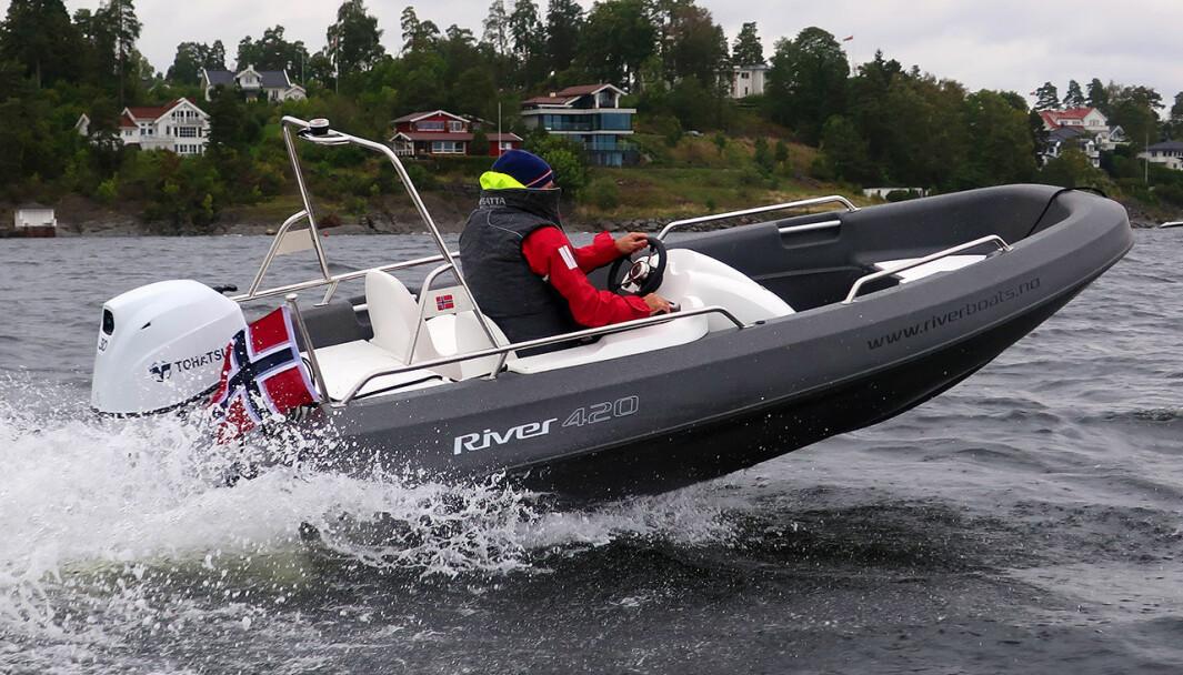 UNGDOMSBÅT: Norskbygde River består av mykplast og er robuste.