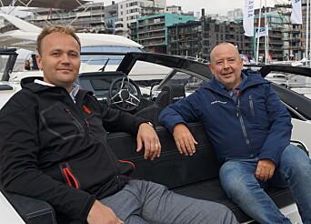 BATTERIENE BESTEMMER: Henrik Askvik (til høyre) i Askeladden sier batteriteknologiens begrensninger er avgjørende for design av el-båter.