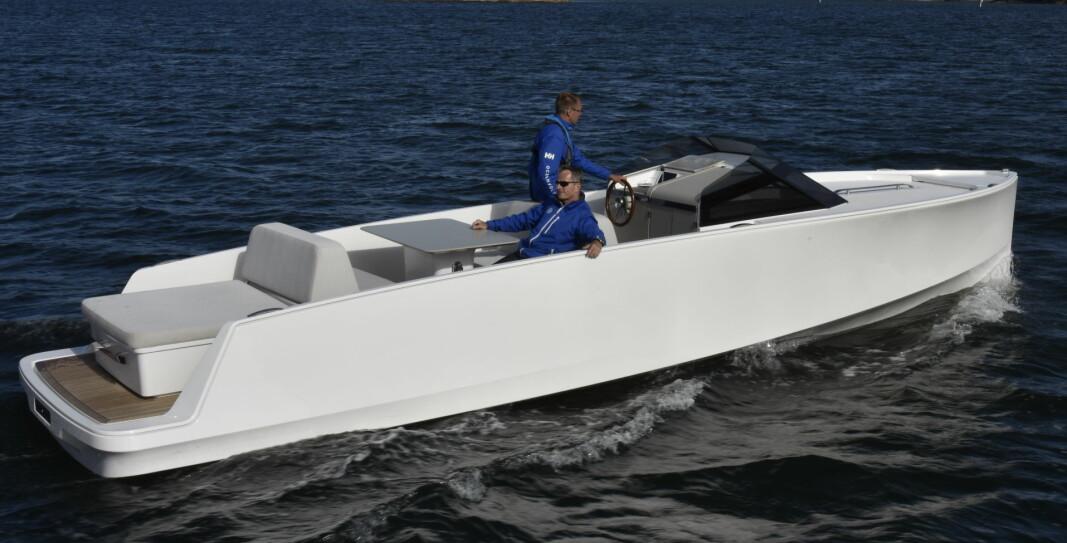 SAKTEGÅENDE: -El-drevne båter vil sannsynligvis være saktegående i overskuelig fremtid, mener Henrik Askvik i Askeladden.