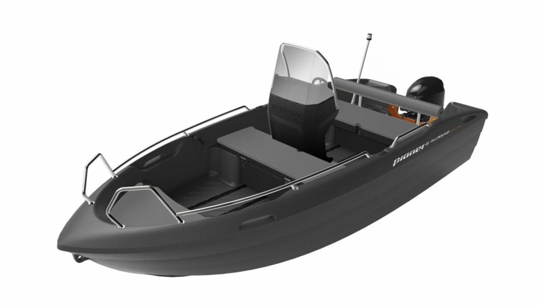 Pioner har printet en Pioner 14 Active fra ett stykke plast. Båten på bildet er rotasjonsstøpt versjon av modellen