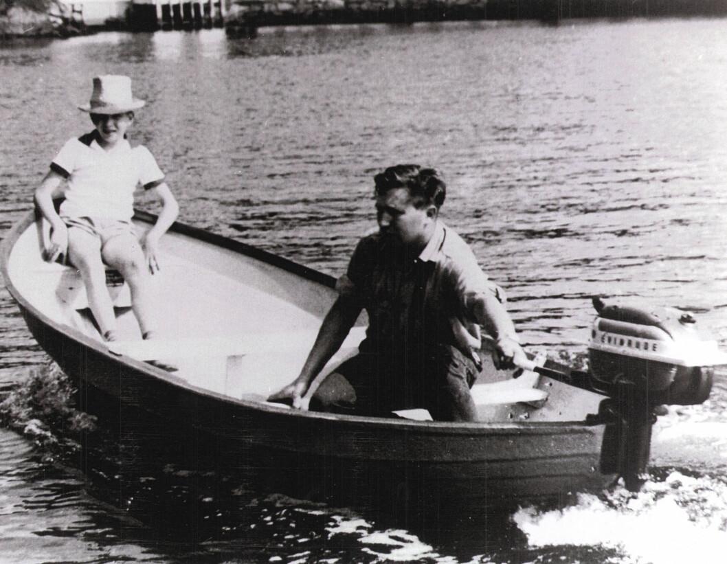 Askeladdens første «plastikkbåt», «Jonny».