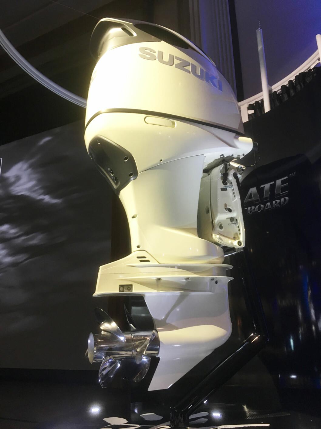 UNIK: V6 på 350 hk med duoprop er noe helt nytt....