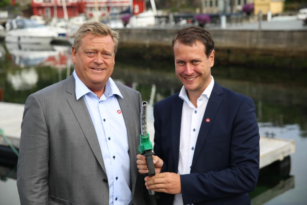 VEIAVGIFT: Helge André Njåstad og Harald T. Nesvik (FrP) lover kamp mot veiavgift til sjøs.