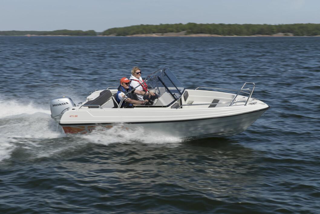 PRAKTISK: Den nye Theri 475 har har plass til fem personer og utrustes med motor fra 40 til 60 hk.