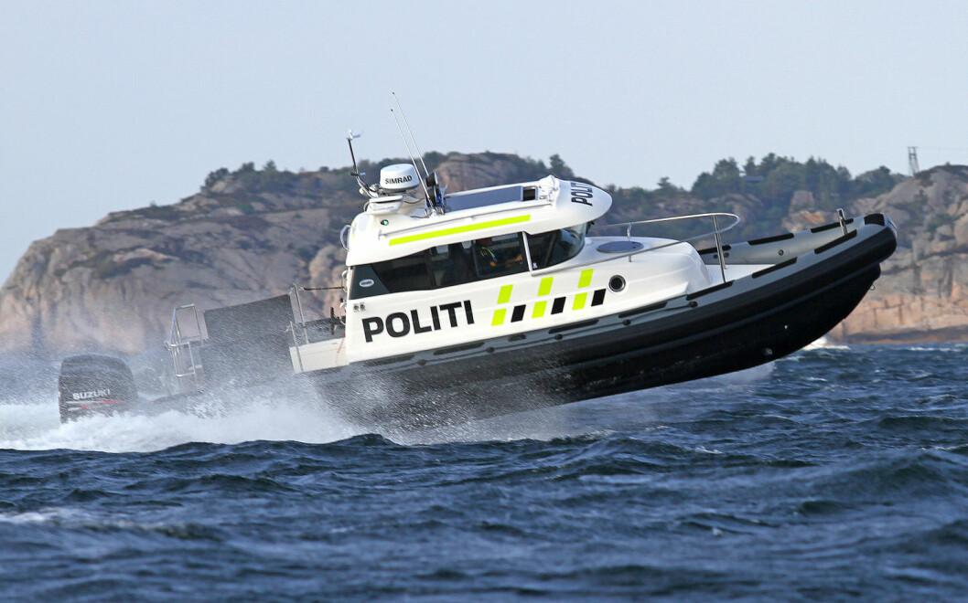 DEKKER STØRRE OMRÅDE: Politibåtene i Arendal og Kristiansand skal dekke et større område enn tidligere på grunn av økonomiske innstramninger.