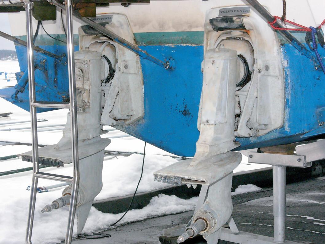 SIKRE DREVET: Også drevene må lagres trygt. Blir de stjålet fra båten under vinteropplaget, må du dekke tapet selv.