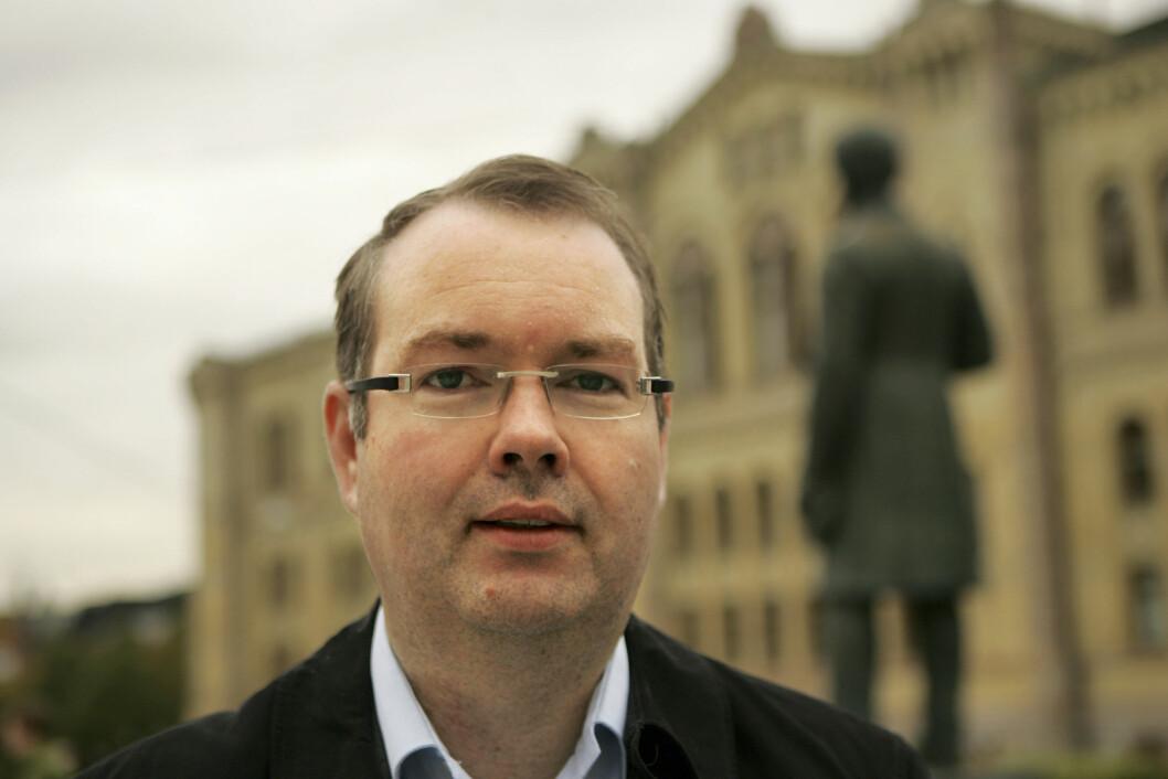 INFORMASJON: Vi gjør hva vi kan for å få ut informasjon til salgsleddene, sier fagsjef Kjartan Berland i Norsk Petroleumsinstitutt. (Foto: Amund Rich. Løken).