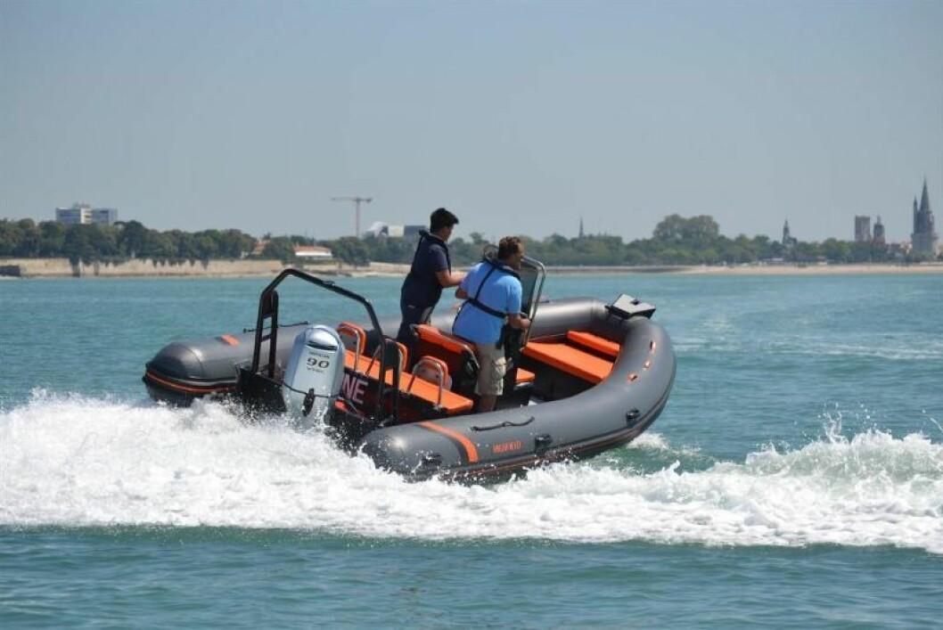 RØFF OG TØFF: Highfield 590 Oceanmaster er en bruksbåt som kan lastes med mange personer, eller mye utstyr.
