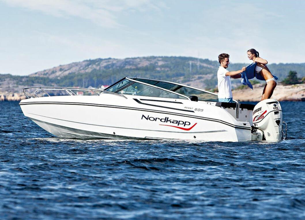 TØFF: Formspråket fra skjærgårdsjeepen 605 Enduro viderebringes i nye Avant 605. Båtene har samme skrog.