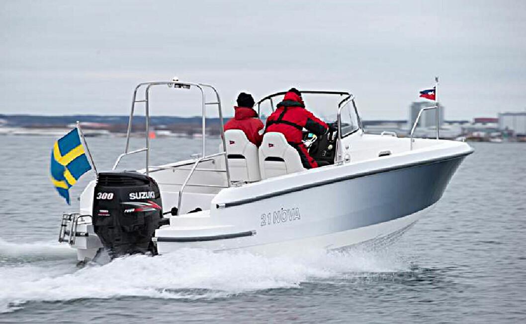 KLASSISK: Nye 21 Nova fra Nimbus bærer tydelig den svenske båtprodusentens formspråk.