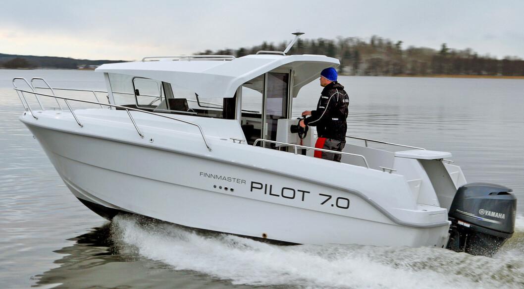 Finnmaster Pilot 7.0 trenger minimum en 115 hesters motor, etter vår vurdering.
